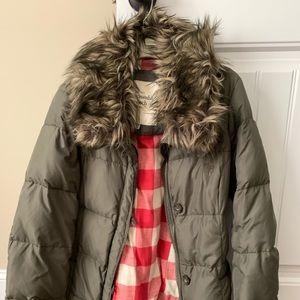 Abercrombie women down coat size M